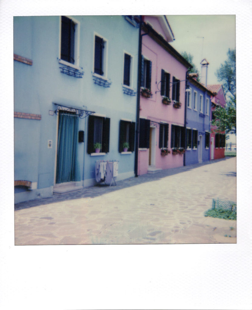 Facades colorées - Polaroid 636 - Film IP 600 - 06/2017